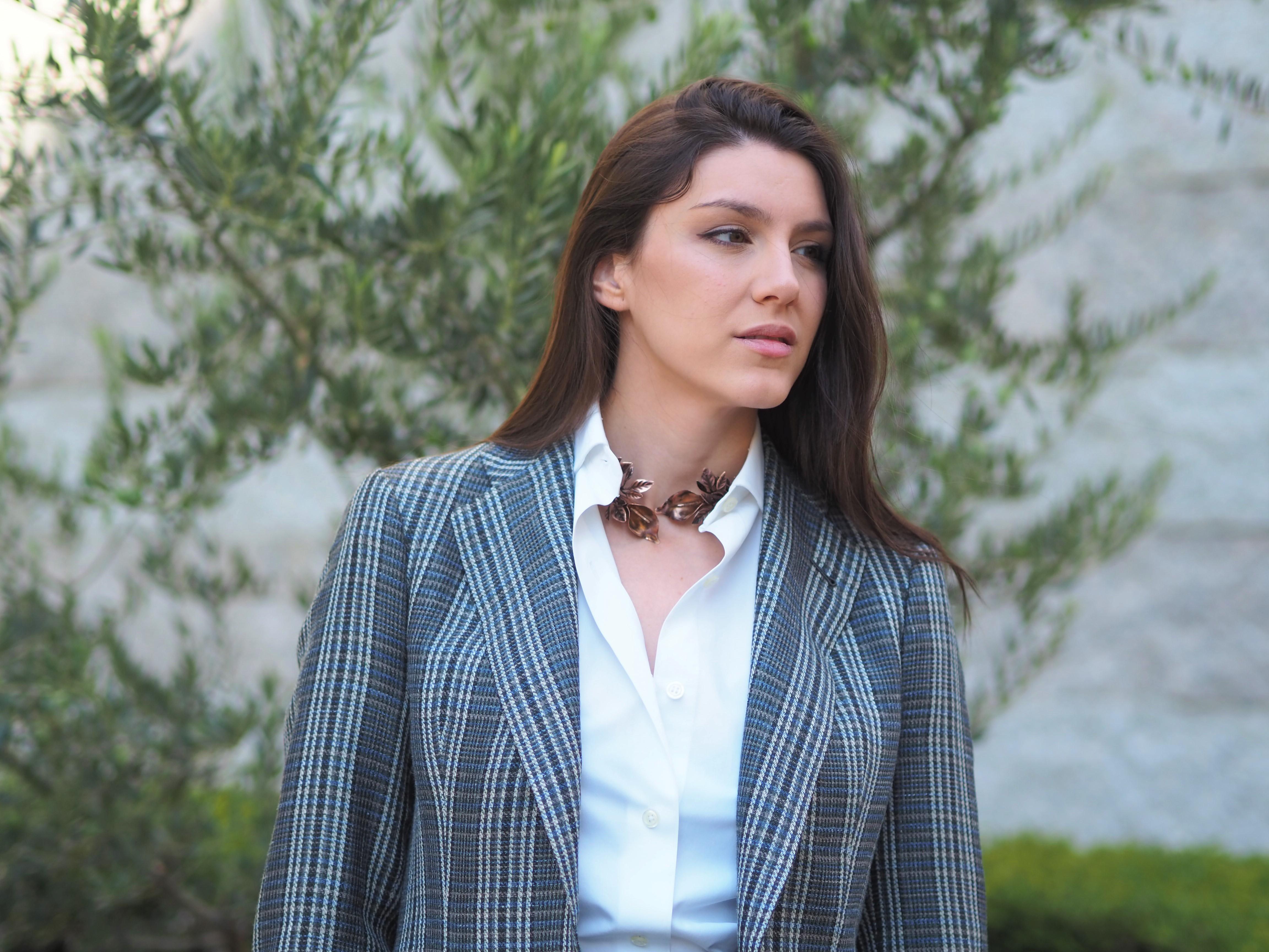 mujeres con traje